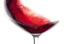 Bicchiere sempre mezzo pieno con i vini bio, artigianali e sostenibili nel padiglione Green di Vinitaly