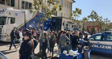 """L'ITI """"A. MONACO"""" di Cosenza ospita """"Una Vita da Social"""""""